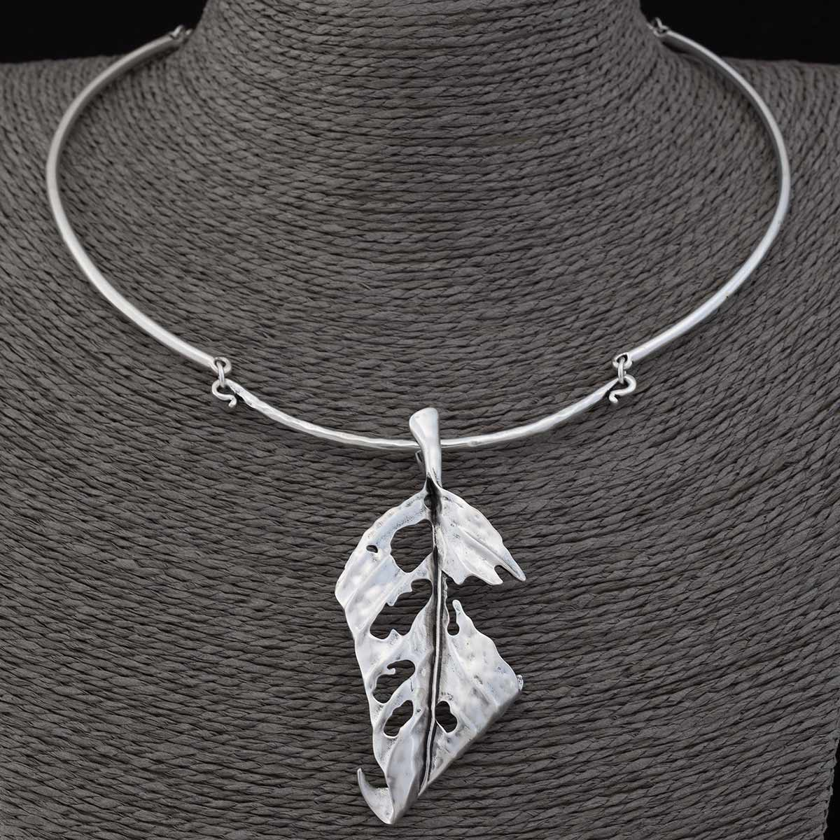 "SATIN SILVER 3.25"" LEAF COLLAR NECKLACE 19""-22"" 50sp"