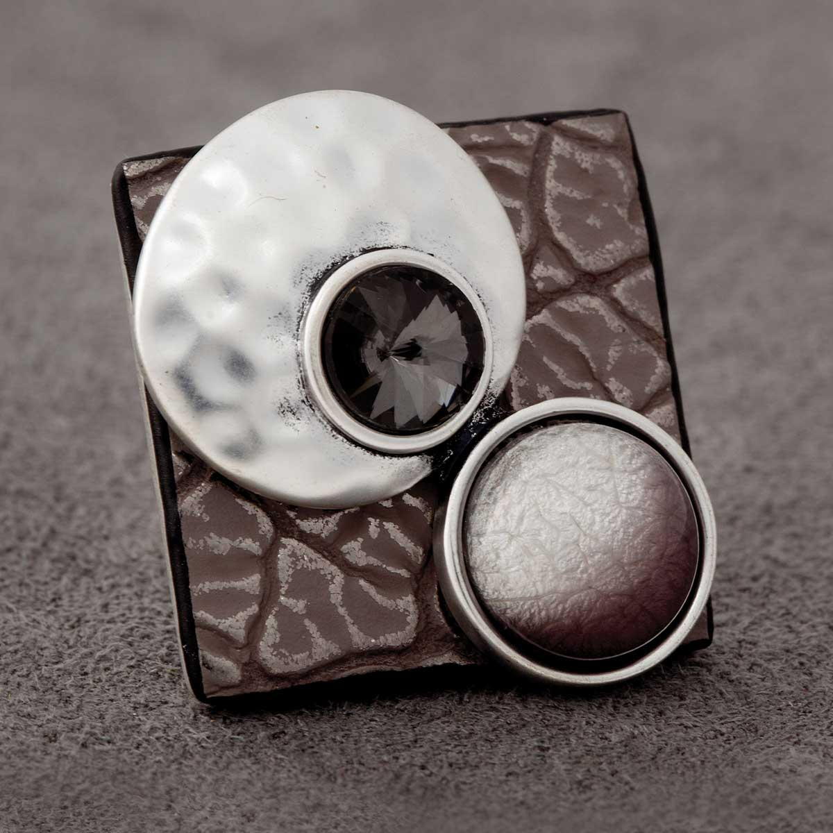 "Silver and Mulilt Stone/Gem 1.25"" Collage Adjustable Ring 50sp"