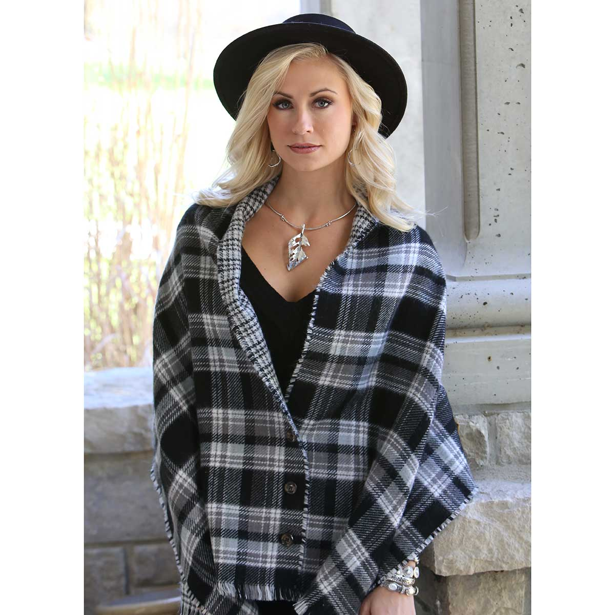 "BLACK PETITE PLAID REVERSIBLE WRAP WITH BUTTONS 70""X24"" 70sp"