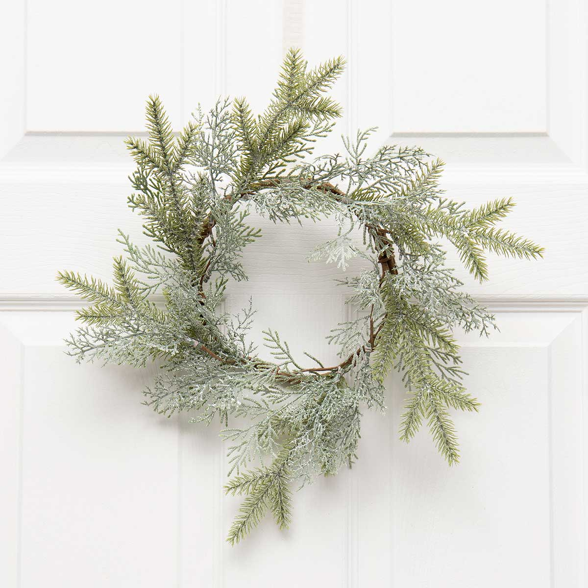 FROSTED CEDAR MIX PINE CANDLE RING WITH MICA